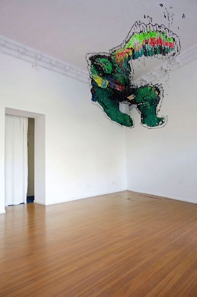 »der unglaubliche« acryl/wand  decke: 386 cm x 402 cm wand links:131 cm x 192 cm wand rechts: 163 cm x 252 cm 2009