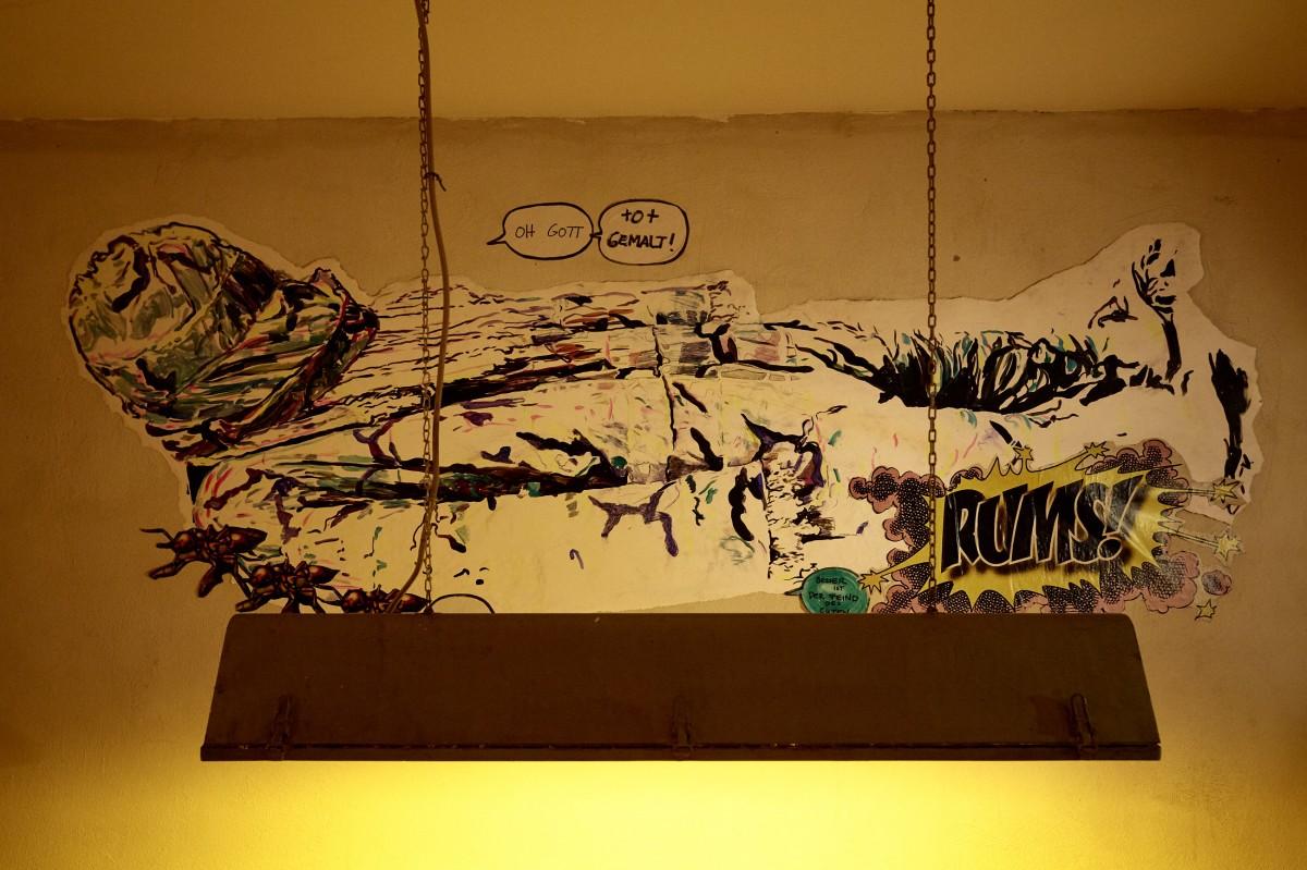 »oh gott, tot gemalt oder besser ist der Feind des Guten« 276cm x 134cm  Acryl/Papier, genagelt