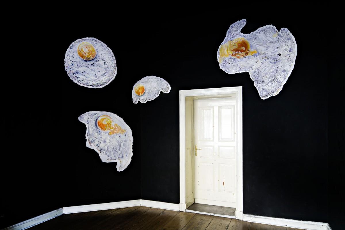 »ei ei oder auf der suche nach der perfektion« acryl/papier gekleistert Kreuzberg Pavillion »Kitchen Girls 2«