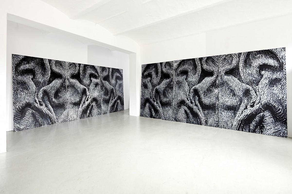 »1 Tag Ritual, Darkroom« 6 x 240cm x 160cm  Acryl/Leinwand 2019